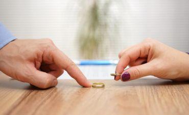 Quali sono i diritti economici del coniuge divorziato?